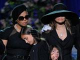 迈克尔杰克逊去世 杰克逊兄弟登台 女儿痛哭离场