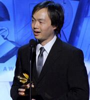 第53届格莱美 华裔作曲家Christopher Tin获得最佳声乐作品改编奖