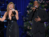 迈克尔杰克逊去世 玛丽亚凯莉演唱经典曲目