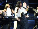迈克尔杰克逊去世 詹妮弗-哈德森倾情演唱