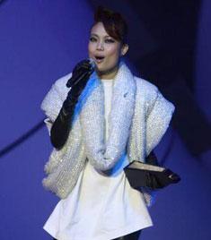 容祖儿获奖后现场演唱